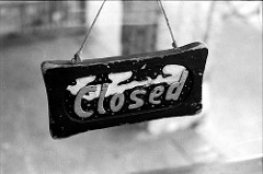 """CLOSED"" (CC BY 2.0) by  Steve Snodgrass"